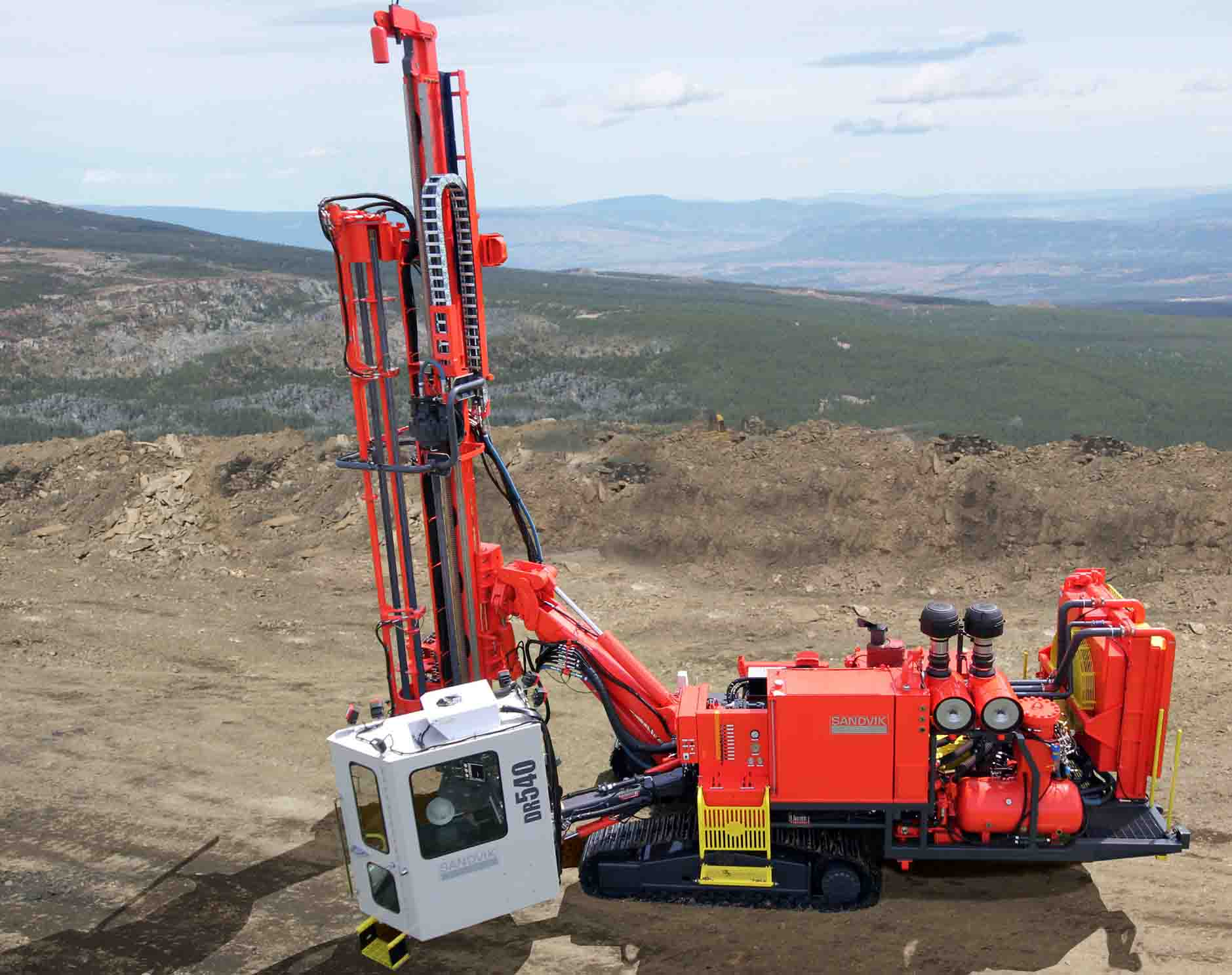 DR540 Surface DTH drill rig SANDVIK MINING [Ground